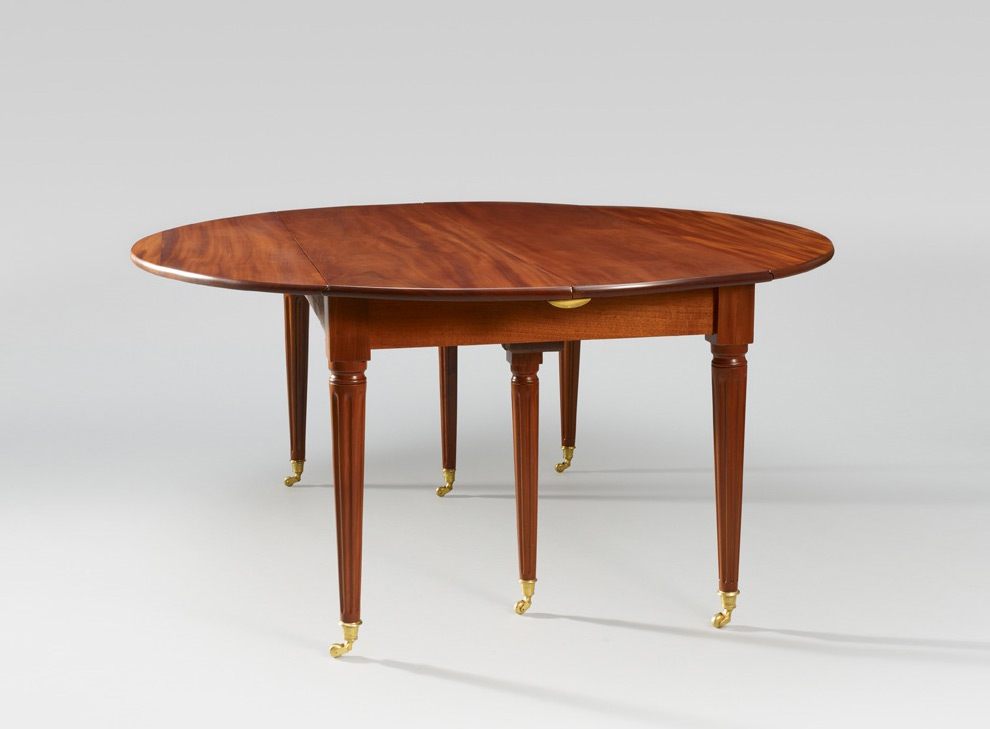 Ralph gierhards l gante table de salle manger en acajou for Garage louis xvi nantes horaires