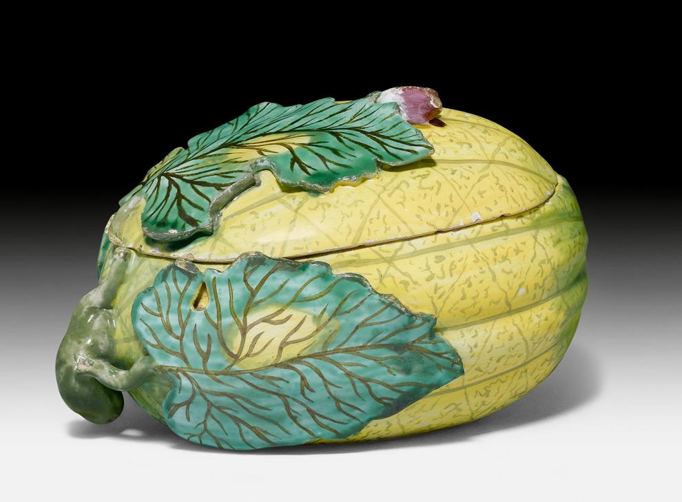 Deckelterrine in Form einer Melone