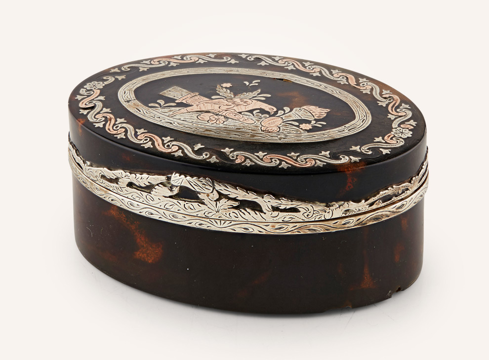 French tortoiseshell and pique snuff box