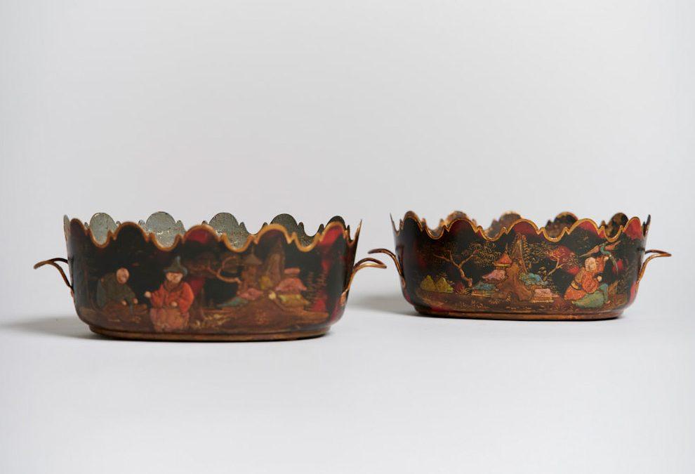 A pair of lacquered rafraichissoires