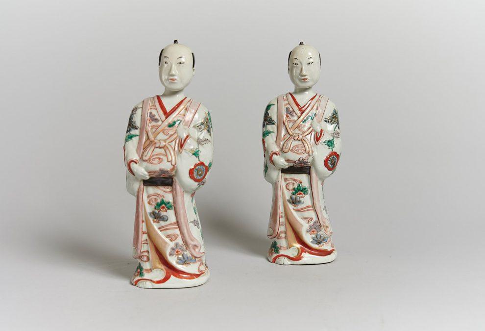 Paire de figurines japonaises en porcelaine Kakiemon