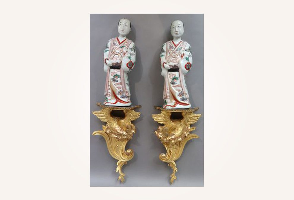 Pair of Japanese Kakiemon porcelain figurines