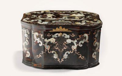 Un cercueil napolitain en écaille de tortue