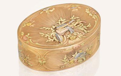 A vari-colour gold snuff-box