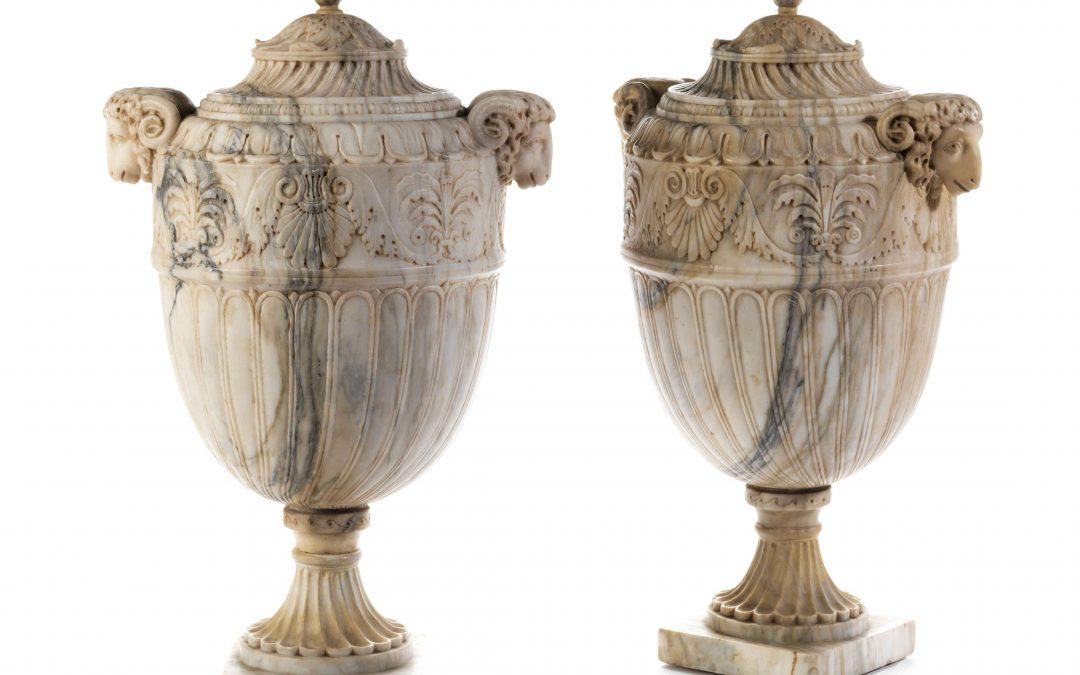 Ein Paar frühklassizistische Ziervasen