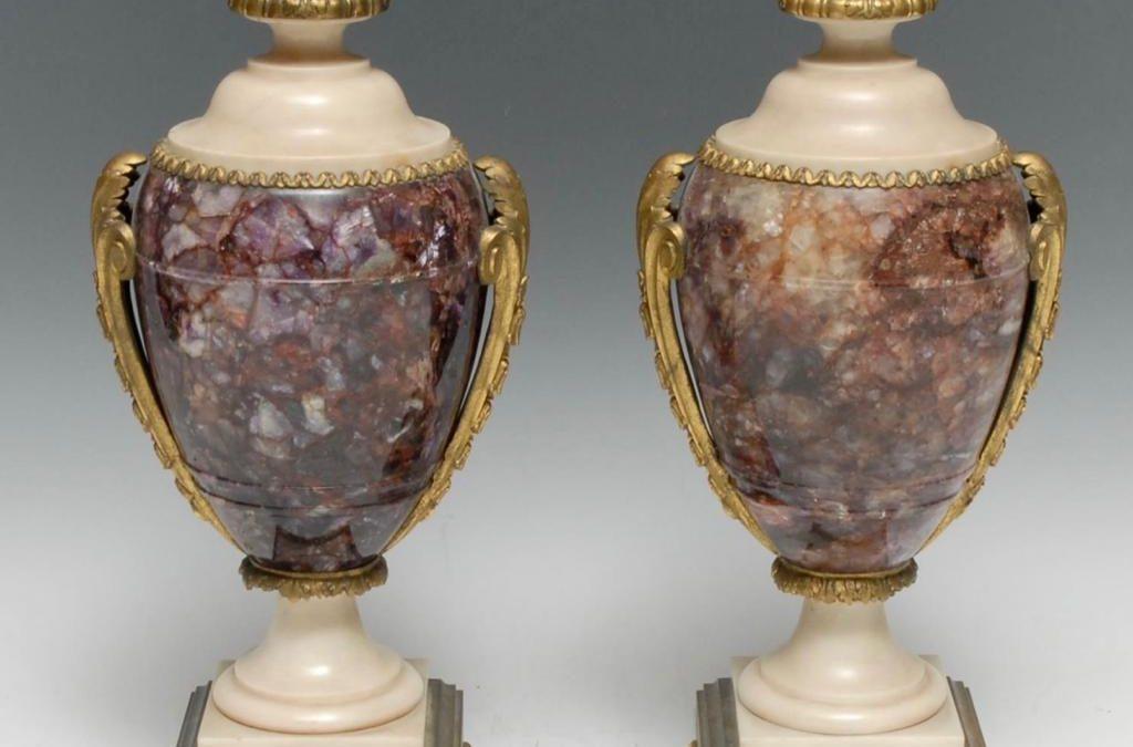 Ein Paar Blue John Vasen