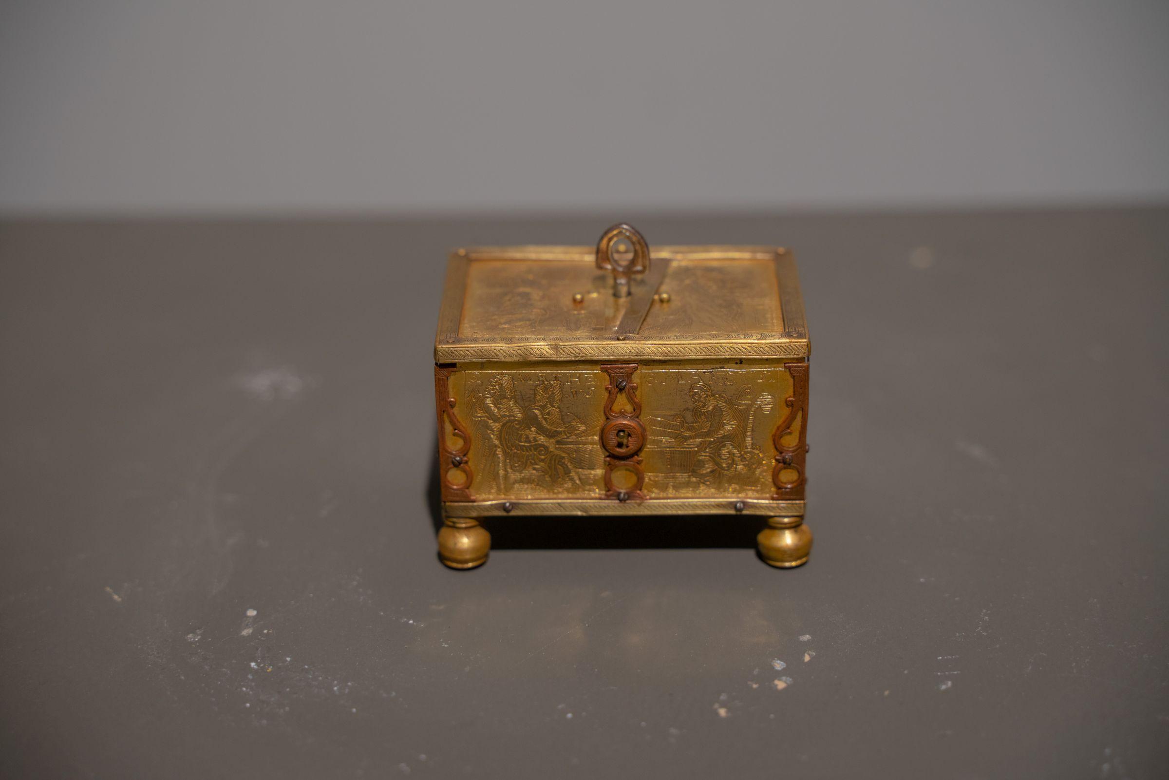 A Nuremberg box